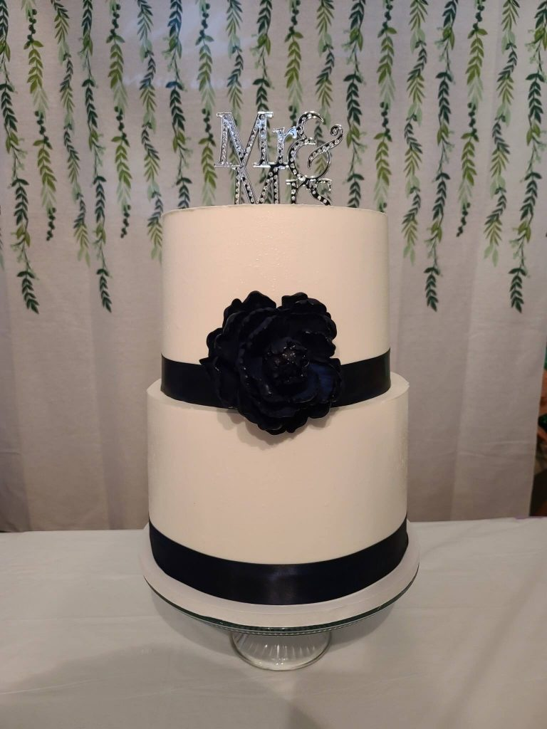 Navy Elegant Wedding Cake
