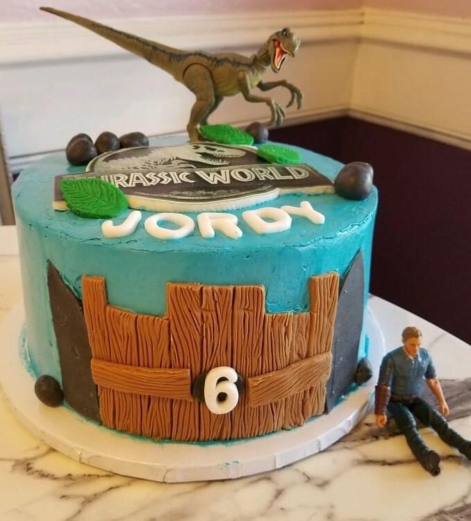 Small Dinasaur Cake