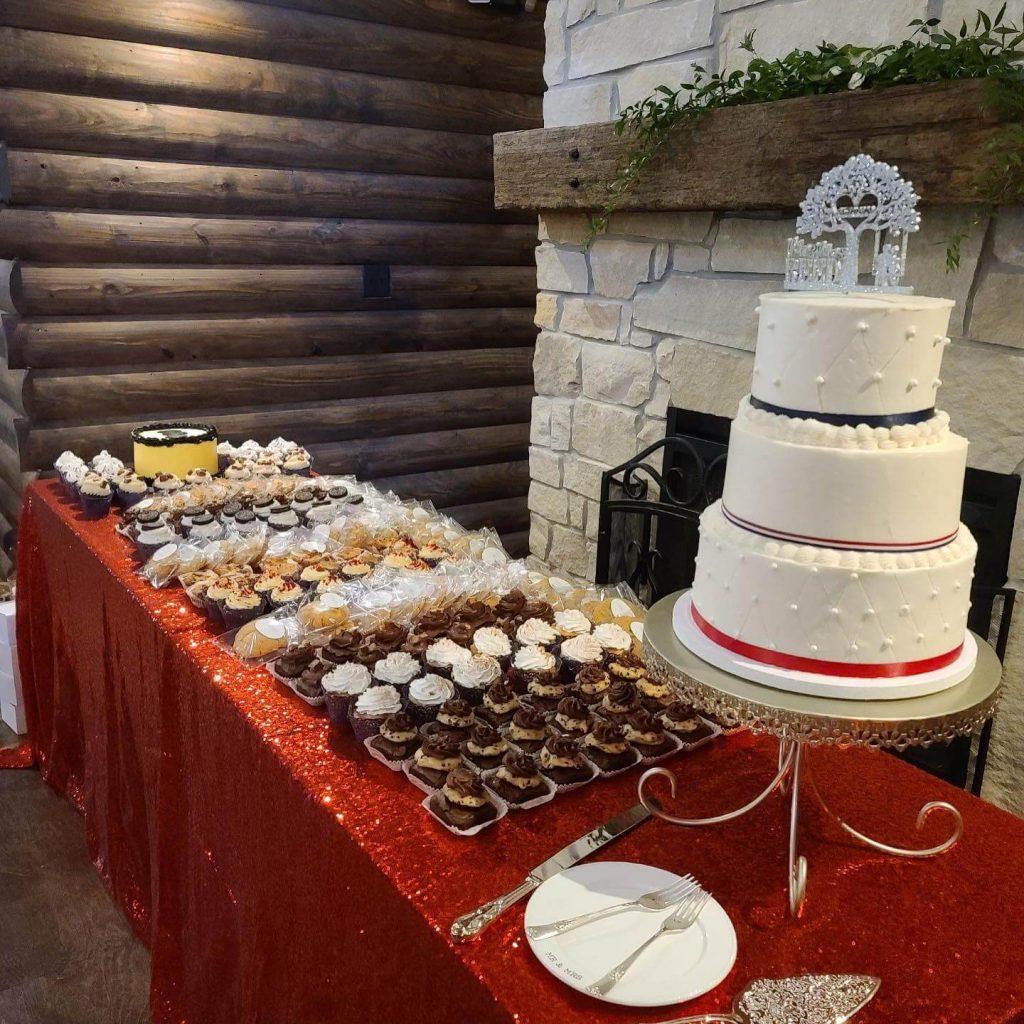 Verneles_Desert_table_Cupcakes_Cake